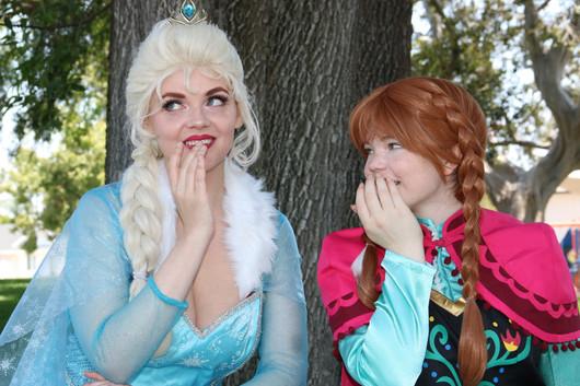 ELSA AND ANNA BANNER PHOTO.jpe