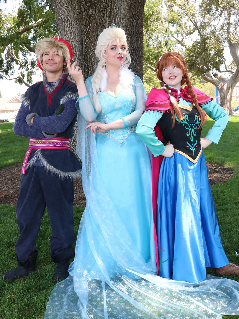 FROZEN%20THEME%20PARTY%202_edited.jpg