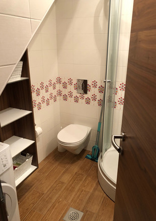 SolineHome Brela | Shower and WC