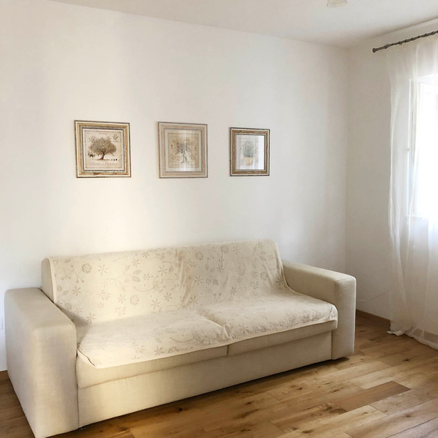 SolineHome Brela | House for rent | Easy folding sofa