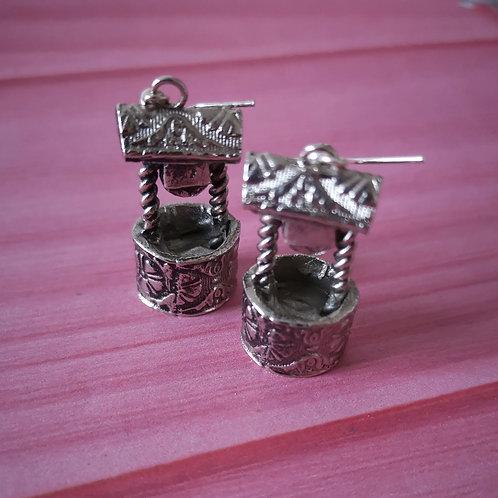Wishing well vintage hook earrings
