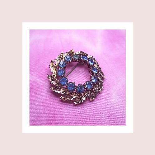 Vintage blue wreath brooch
