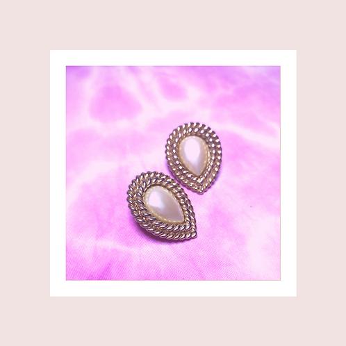 Pearl clip-on earrings