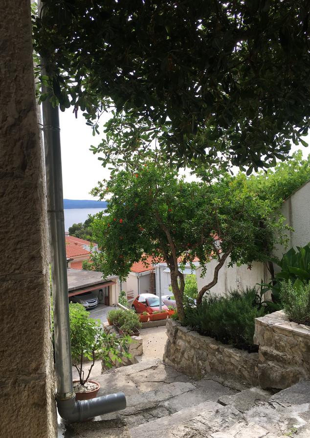 SolineHome Brela | Around a house