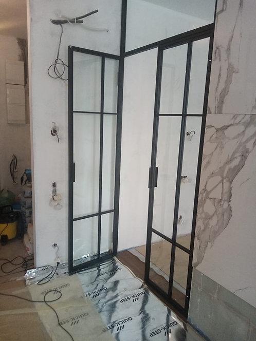 2- ств. распашная дверь с фрамугой.