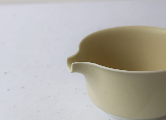 (有田焼) Aritayaki Chawan with Pouring Spout