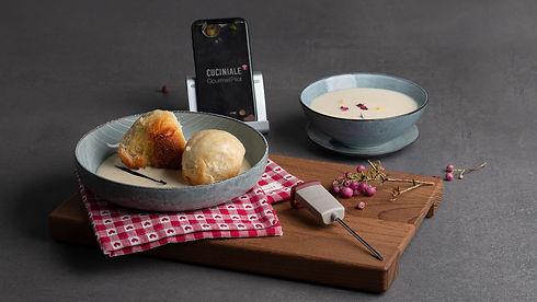 dampfnudeln, vanillesauce, dessert, gericht, rezept des monats, kochen, app, kulinarik, kochbuch, kochanleitung