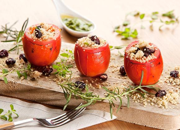 Tomate Recheado com Cuscuz Natalino