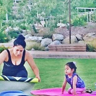 Mommy daughter time #thelittlestyogi #daretodreamyoga #tuesdayyoga #freeyoga