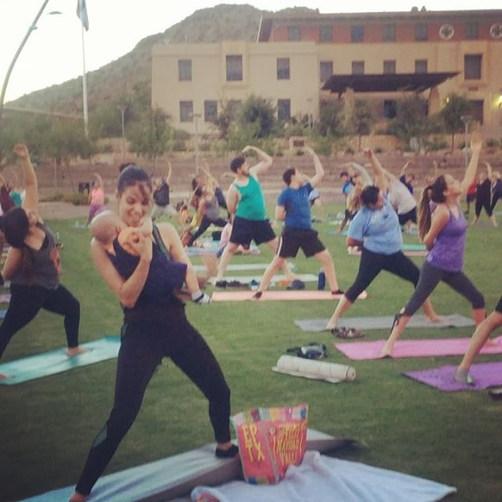 🤗 #freeyoga #texasyoga #elpaso #elpasoyoga #yogaeverydamnday #yogainthepark #sunsetyoga #itsallgood #yoga #texas #momlife #mommyandme #sheca