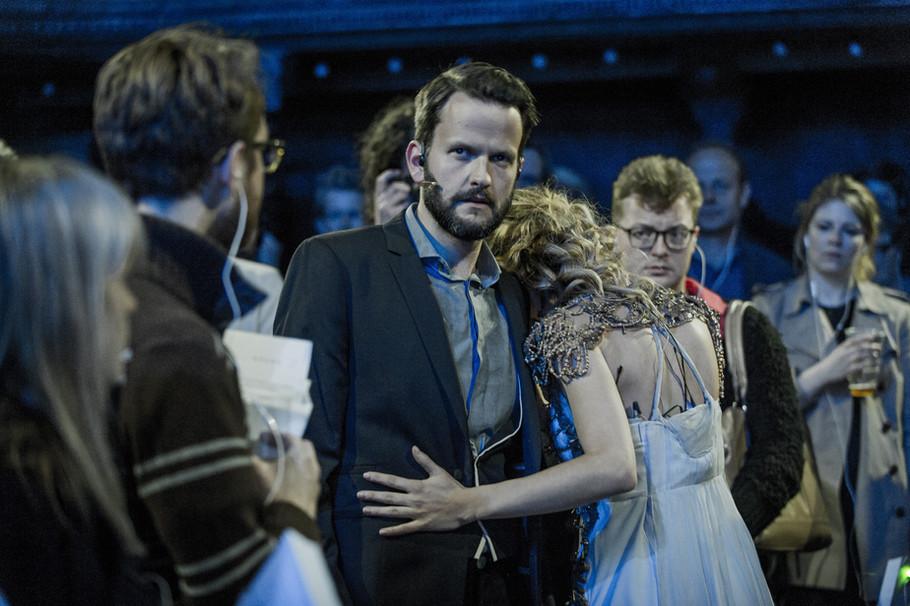 Judith Bluebeard in crowd.jpg