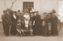 Famille de Bataille Floutee.jpg
