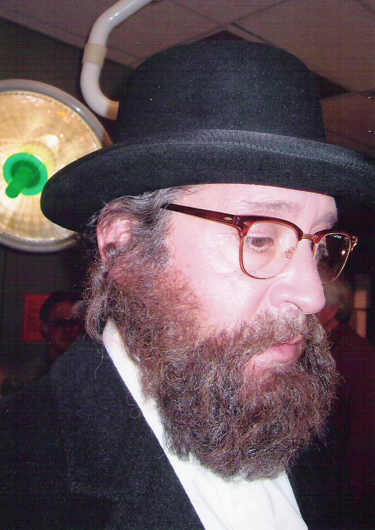 Rabbi Bronstein in STRONG MEDICINE