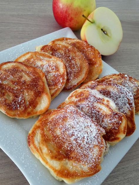 Racuchy na maślance z jabłkami