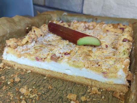 Kruche ciasto z pianką i rabarbarem - Najlepszy przepis