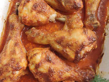 Pieczone pałki z kurczaka w marynacie z dodatkiem majonezu