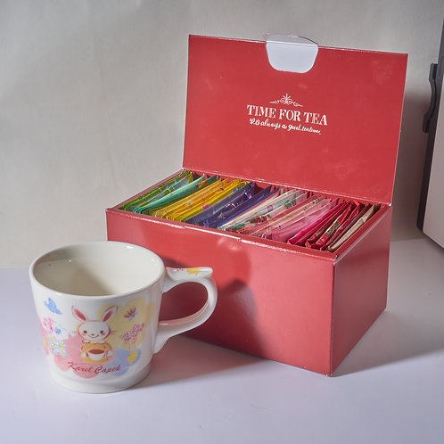 EXCLUSIVE RED GIFT BOX + BUNNY MUG