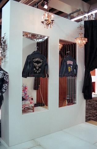 Lee Exhibition
