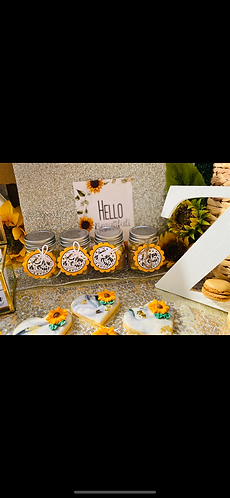 Sunflower scalloped tags