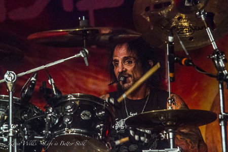 The Dead Daisies Kevin Wells 4use.jpg