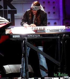 Michael T. Ross, Las Vegas, Keyboards, Keyboardist, Raiding The Rock Vault, Hard Rock Hotel, Nevada, USA, North America, Korg Kronos, Korg, North America, United States Of America, Harry Cowell, Sir Harry Cowell