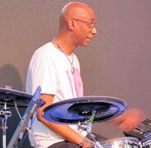 Groovesmith 19.jpg