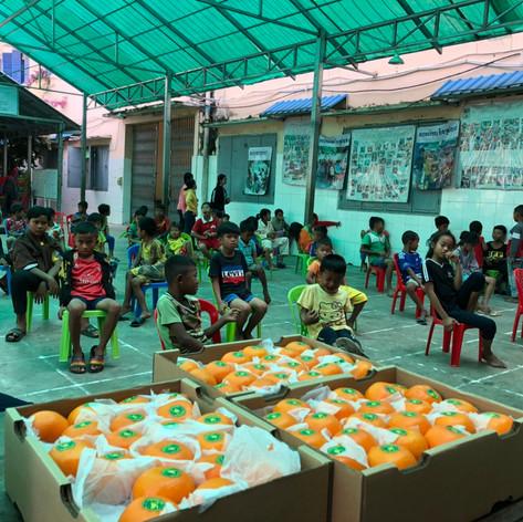 Früchte für die Kinder vom LRDE