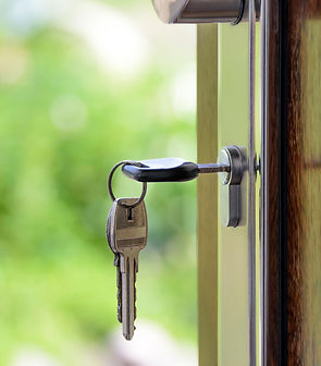 Keys in door.jpg