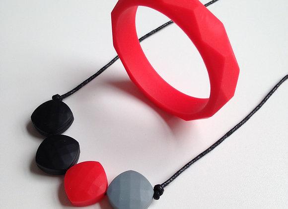 Lippy Lou teething jewellery set
