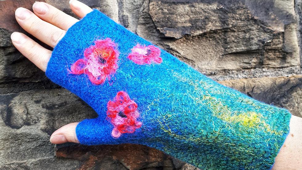 Finger less felted gloves