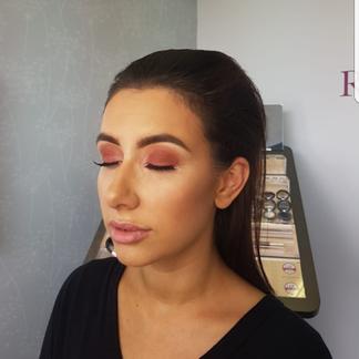 bronze makeup.png
