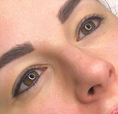 eyeliner%202_edited.jpg