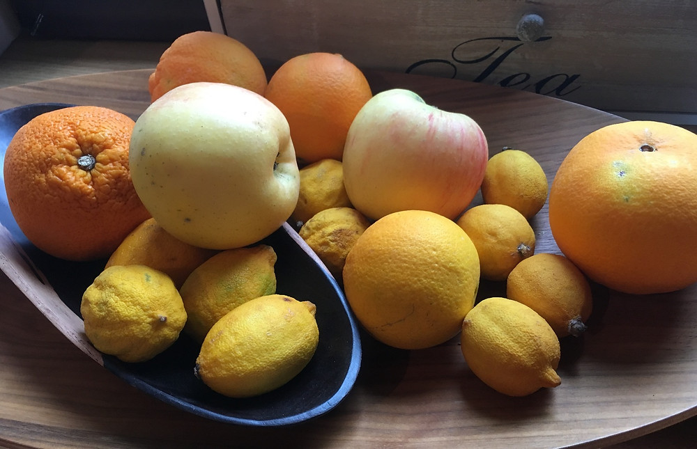 It's maybe the first time in the last 20 years when I've seen unwaxed lemons. Four days after we bought them, their skin get dry and shrink!