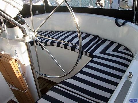 boat_interior3.jpg