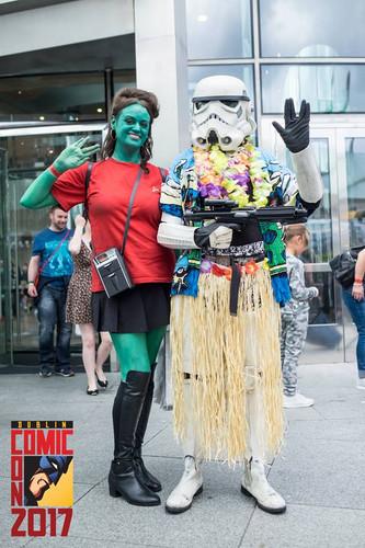 Cosplay! Dublin Comic Con - Green Alien Chick from Star Trek!