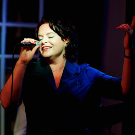 Jazz Dinner with  Sharon Lenihan Trio  (Bass, Piano and Vocal) - Fri 1 Feb