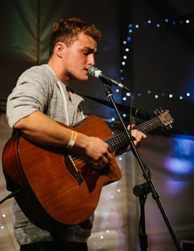 Live Music by Guitarist and Singer Tom Featherstone - Fri 10 & 31 Aug