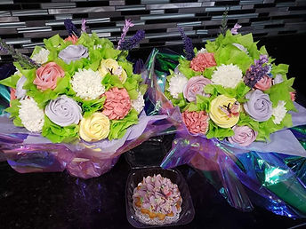 two large cupcake bouquet.jpg