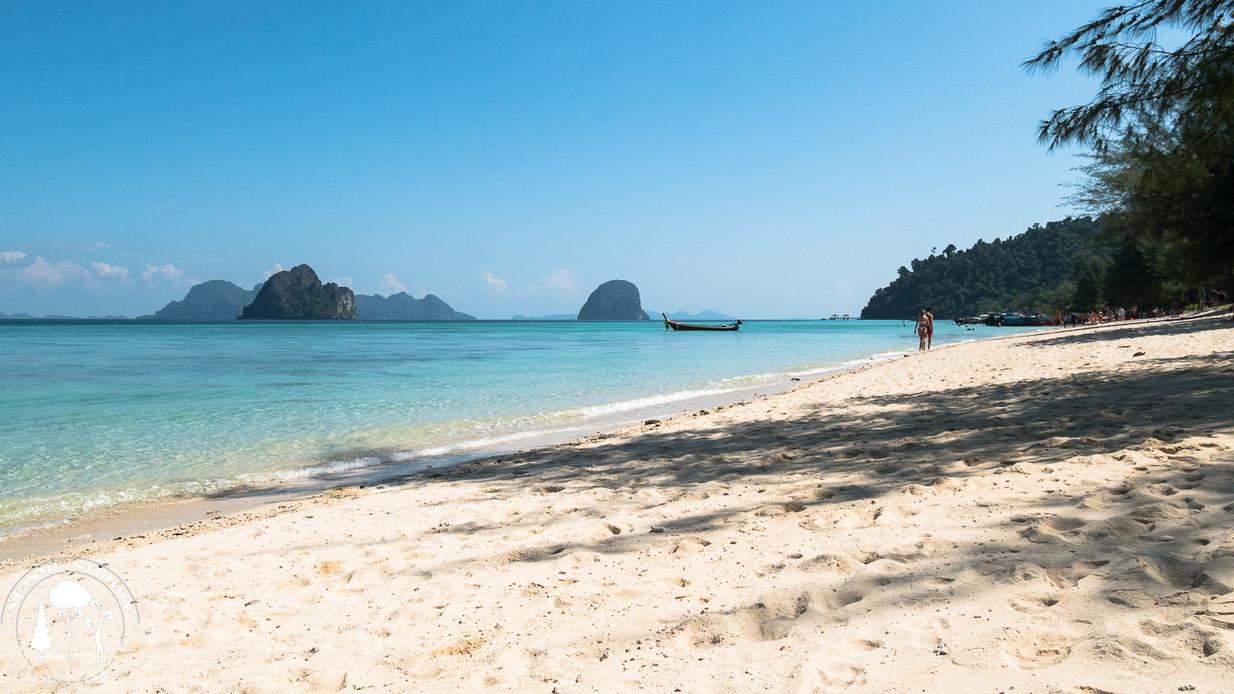 Krásná pláž ostrova Ko Ngai
