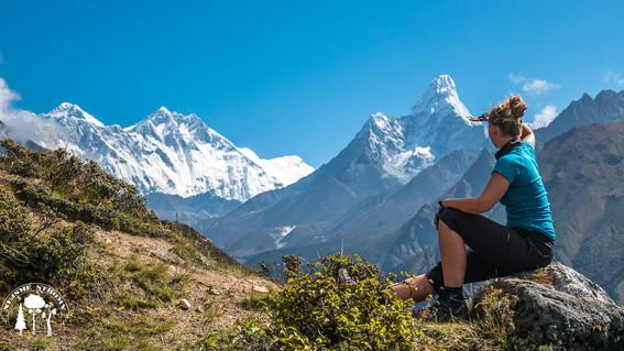První výhledy na Everest, Lhotse a Ama dablam