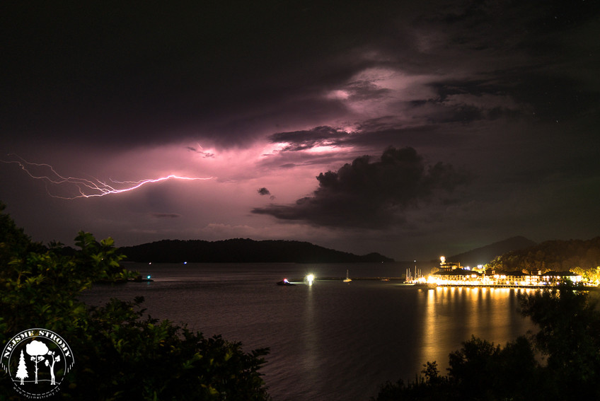 Několikrát jsme na Langkawi pozorovali i bouřku
