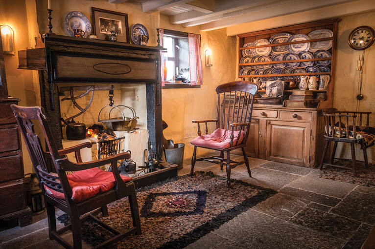 Inside Robert+Burns House+Sotland
