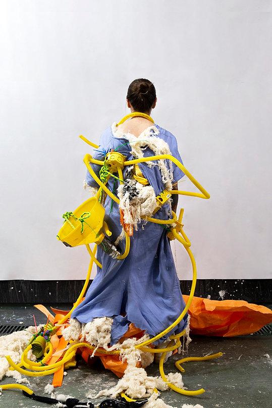 Gabi Celan / Sessão de Escultura / Édipo