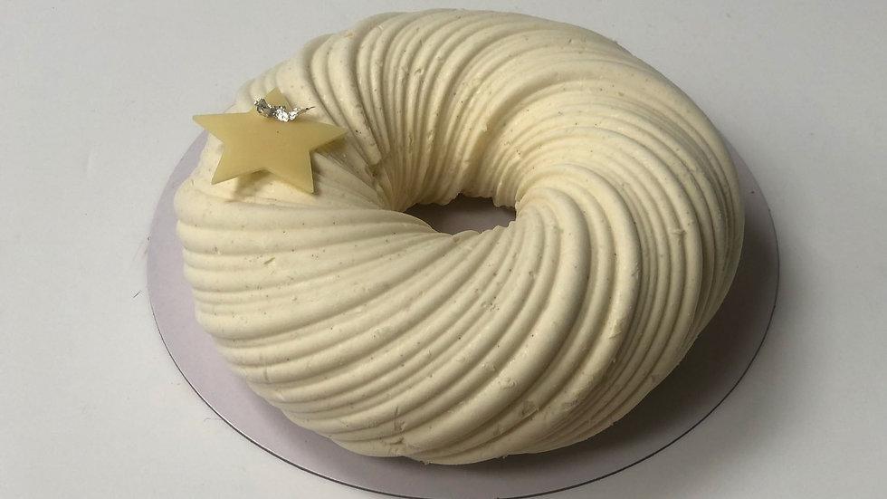 Vanilla & Caramel Wreath Cake