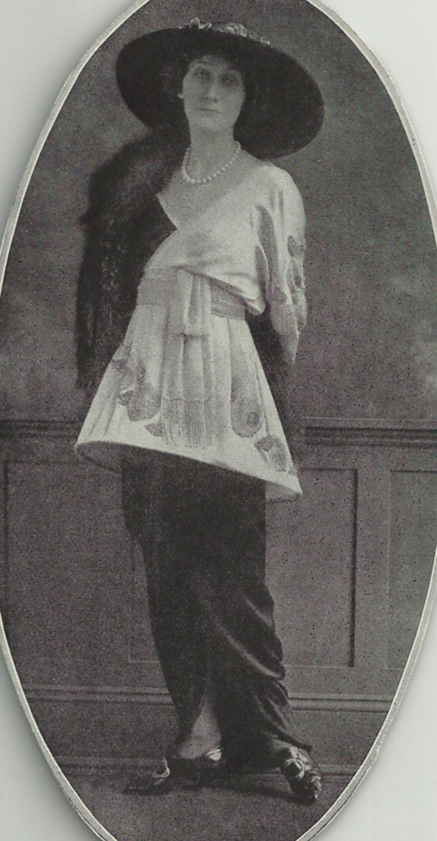 Comtesse de Sauvigny wearing Sorbet in Vogue, July 15, 1914