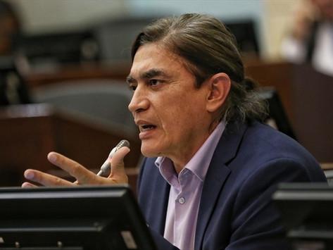 Denuncias en contra de Gustavo Bolívar por supuesta financiación de Primera Línea