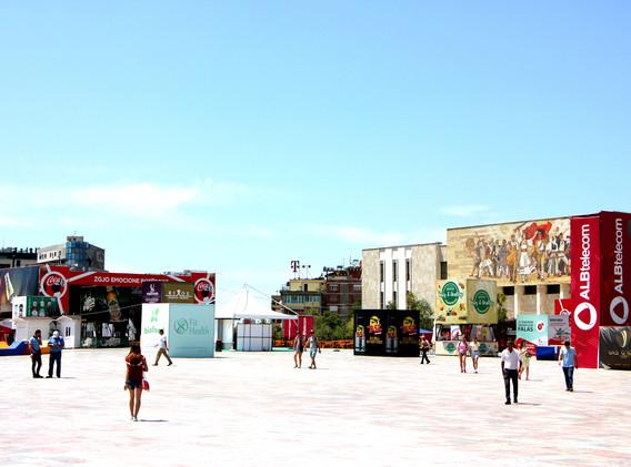 piazza tirana 1(1).jpg