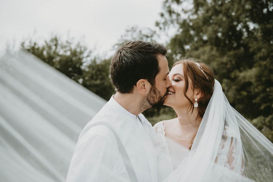 outdoor-tipi-wedding-yorkshire