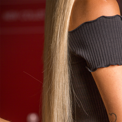 דנית גרינברג עם תוספות שיער