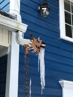 Rain chain frozen 2